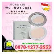 moreskin two way cake bright